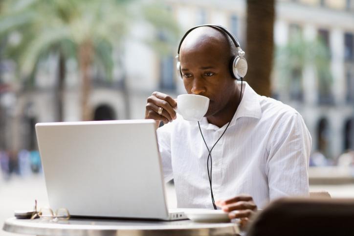 man-on-laptop-in-cafe.jpg